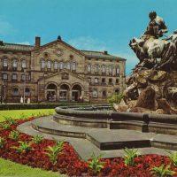 Kunstbrunnen (Postkarte aus den 1960er Jahren).